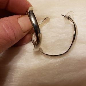 EUC Earrings